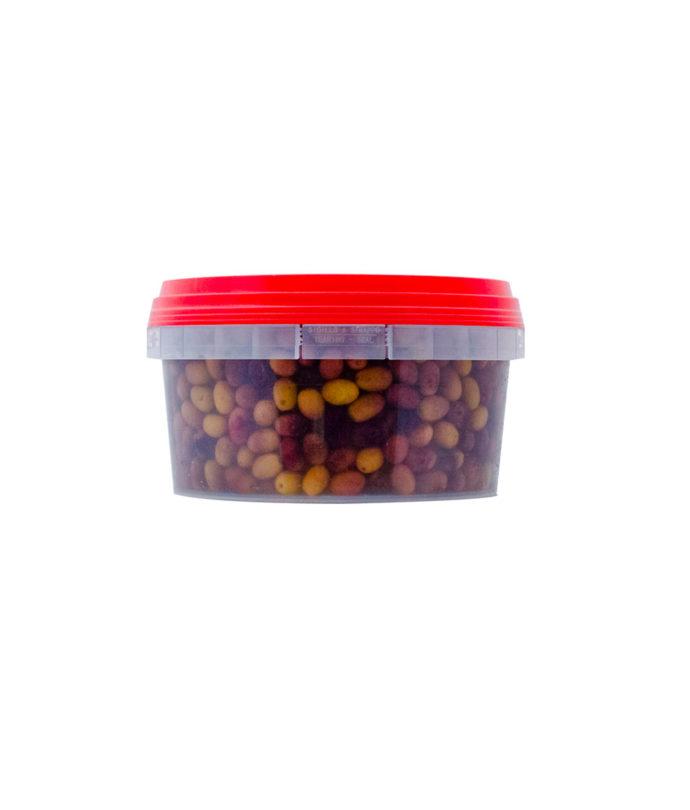 Olive Leccino originaria dell'Italia centrale,I frutti di ottima qualità sono caratterizzati da una polpa consistente e da fragranza peculiare, gusto deciso